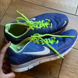 Size 8 but run small if you are a 7 1/2 these fit